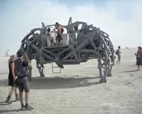 waptrick.one Burning Man 2008 - Giant Walking Spider Machine