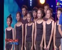 waptrick.com Amazing Acrobat Group Get GOLDEN BUZZER on Thailand s Got Talent