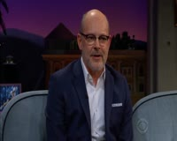 waptrick.one Rob Corddry Tackles Reggie s Question w a Mouthful of Mallows
