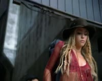 Shakira -Underneath your clothes Klip ng Video