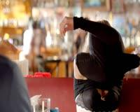 waptrick.com Dakota Johnson and Lucy Punch Ben and Kate S01 E01