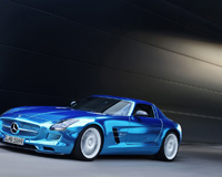 Mercedes Benz SLS chladnej modrej