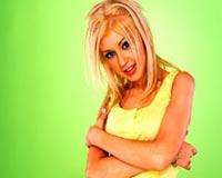christina aguilera in green