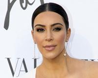 Kim With Pearl Earings