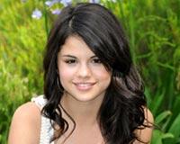 Selena Gomez 02
