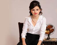 Selena Gomez Like A Business Woman