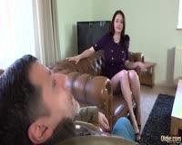 borwap.net Bella Diamond Wants To Seduce A Mature Guy 1