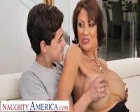 borwap.com Mom teaches him how to take care of a woman